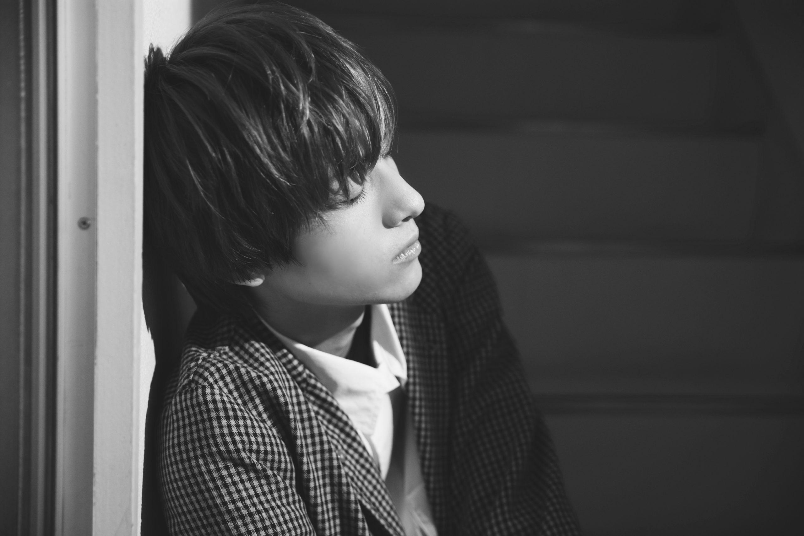 【古川毅】 180㎝という圧巻のスタイルを持ち、 存在自体がエモーショナルな彼の素顔に迫る―