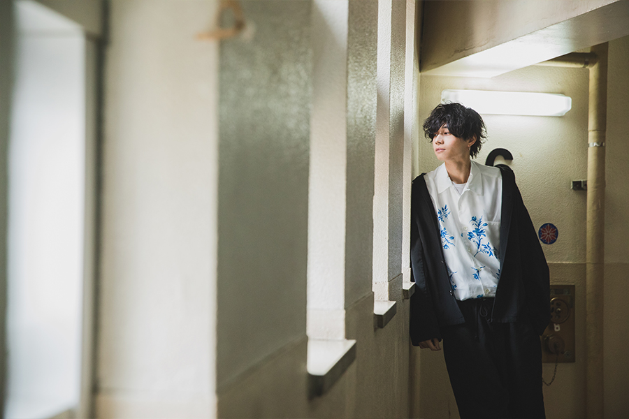 『安井一真』2月20日に1stアルバム『THE ONE』をリリースしたばかりのXOX。
