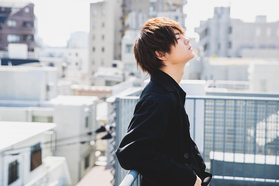 『佐野勇斗』「 小さな恋のうた」主演。芝居のみならず、 バンドマンとしての片鱗輝く人気俳優の目に映った物語とは—