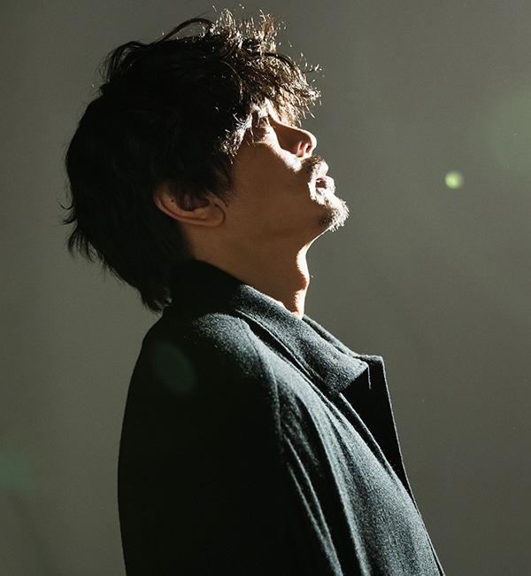 【青柳翔】 飾らない姿、媚のない笑顔、笑うだけでその場をいとも簡単に緩めてしまう彼の素顔とは―
