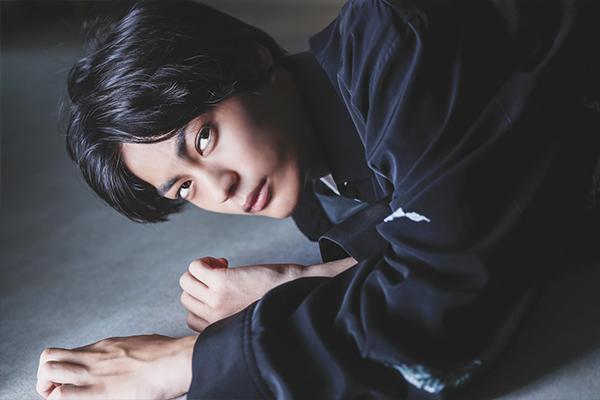 【神尾楓珠】舞台『里見八犬伝』、ドラマ『主人公』映画『HiGH&LOW THE WORST』数多の作品に引っ張りだこの彼の目に映るそれぞれのキャラクターたち